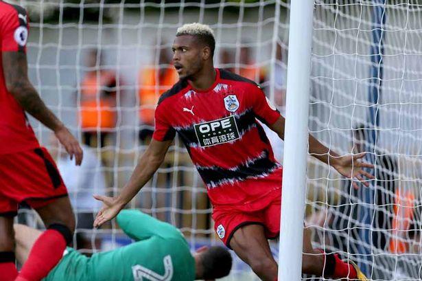 Entretien : Steve Mounié, «Je me trouvais au Bénin, en sélection, lorsque j'ai appris l'intérêt de Huddersfield»