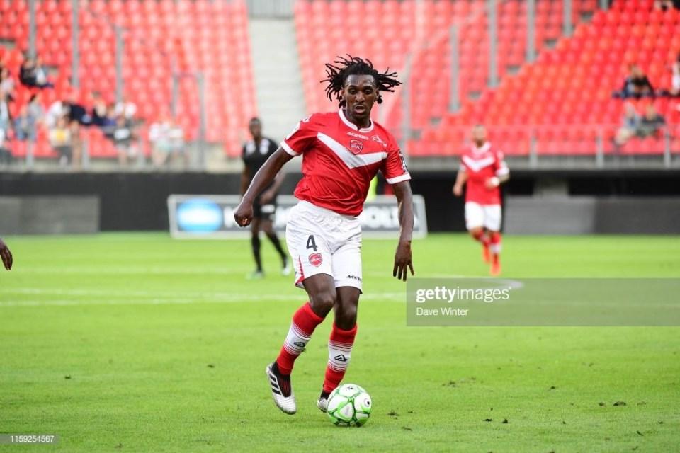 Transfert : Valenciennes prolonge Sessi d'Almeida jusqu'en 2023 !