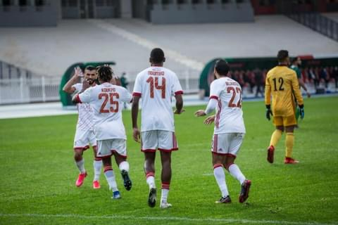 Ligue des Champions : Koukpo signe encore un bijou , le CR Belouizdad prend une option